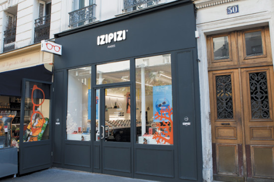 IZIPIZI arrives in the legendary Montmartre district of Paris
